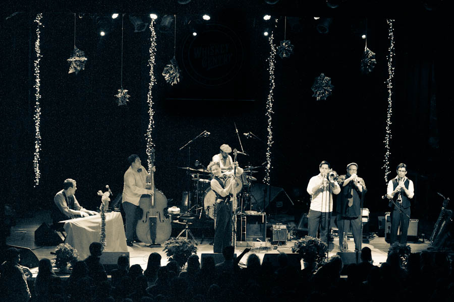 BLAIR_CRIMMINS_AND_THE_HOOKERS_VARIETY_PLAYHOUSE_DEC2013_CAPTAIN_CRAZY_web-6931