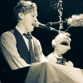 BLAIR_CRIMMINS_AND_THE_HOOKERS_VARIETY_PLAYHOUSE_DEC2013_CAPTAIN_CRAZY_web-6774