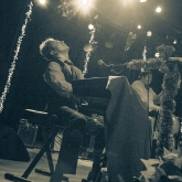 BLAIR_CRIMMINS_AND_THE_HOOKERS_VARIETY_PLAYHOUSE_DEC2013_CAPTAIN_CRAZY_web-7008