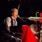 BLAIR_CRIMMINS_AND_THE_HOOKERS_VARIETY_PLAYHOUSE_DEC2013_CAPTAIN_CRAZY_web-7013