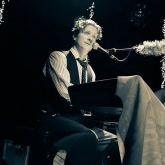 BLAIR_CRIMMINS_AND_THE_HOOKERS_VARIETY_PLAYHOUSE_DEC2013_CAPTAIN_CRAZY_web-7015